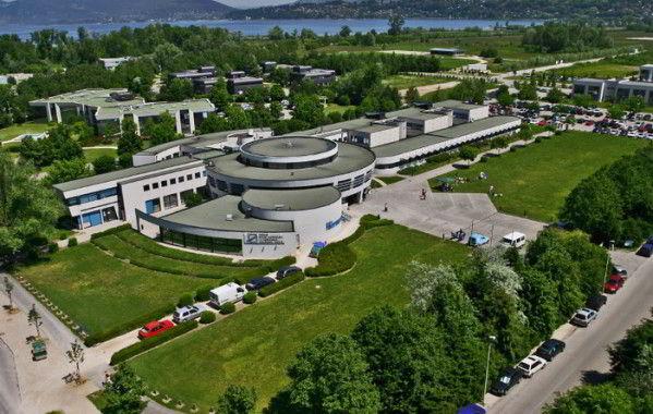 ESC – école supérieure de commerce Chambéry Savoie.