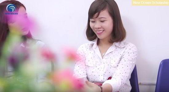 Hoàng Thị Vân Anh nhận visa du học Hàn Quốc