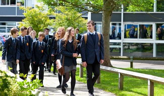 Các chương trình Dự bị của Anh Quốc bao gồm 3 khóa khác nhau: A-level, Tú tài Quốc tế và Dự bị Đại học.