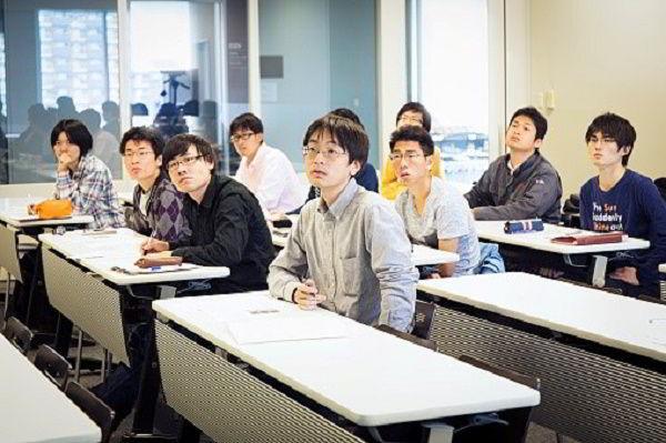 Chương trình Cử nhân tại Nhật kéo dài 4 năm, riêng khối ngành Y khoa, Nha khoa, Thú y kéo dài 6 năm.