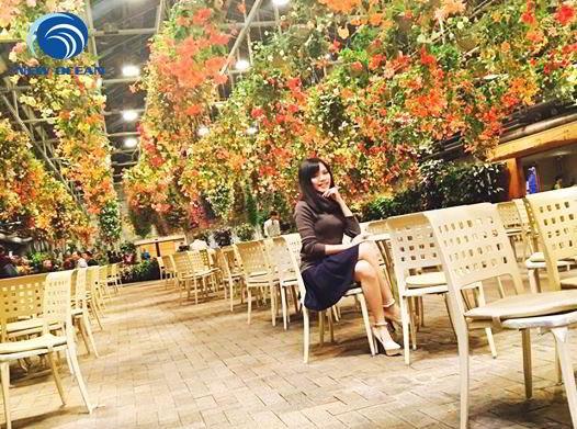 Nguyễn Thị Trà My chụp ảnh tại Trung Quốc