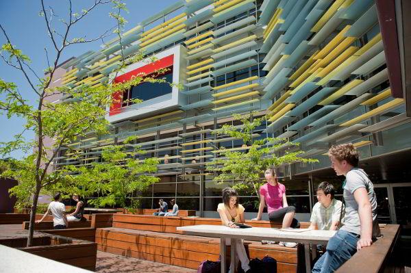 Học viện Kinh doanh và Công nghệ Perth (PIBT)