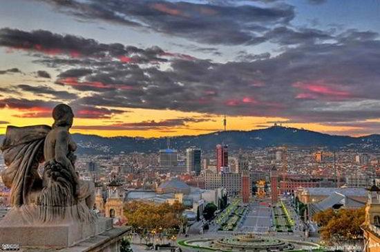 Barcelona còn sở hữu một khối lượng đồ sộ các di sản văn hóa nghệ thuật