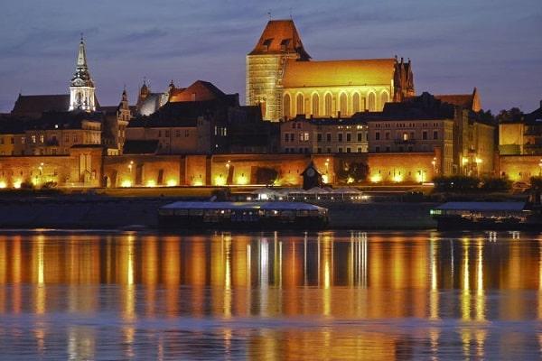 Thành phố Torun về đêm