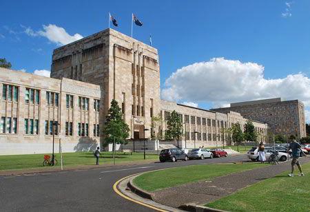 Học bổng toàn phần trường kinh tế Queensland