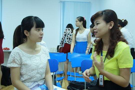 Hội thảo tư vấn trực tiếp cho sinh viên