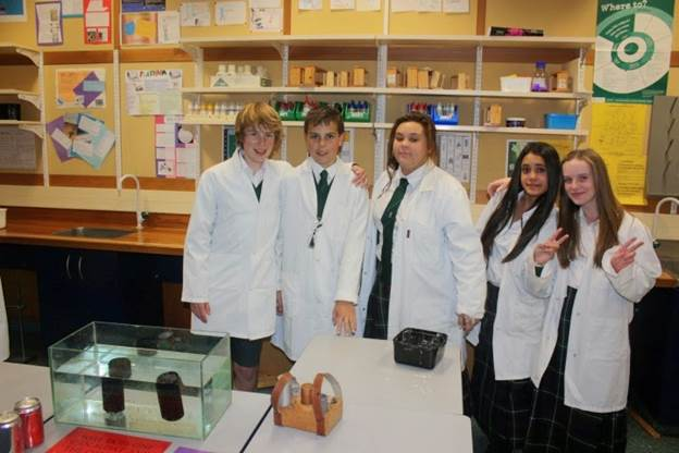 Phòng thí nghiệm với đầy đủ trang thiết bị cho học sinh