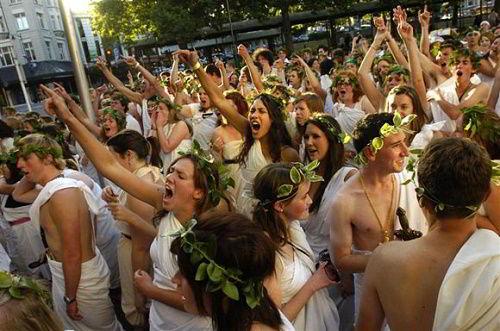 Sinh viên trường trong một lễ hội - Otago University: Trường đại học đẹp như tranh vẽ tại New zealand