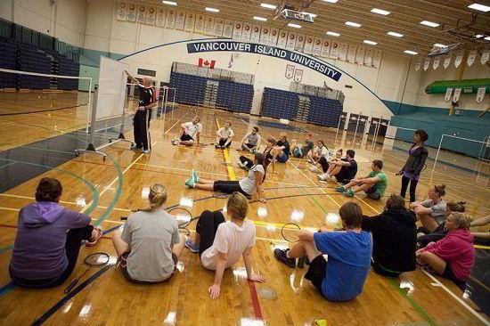 Sinh viên trong giờ học thể thao