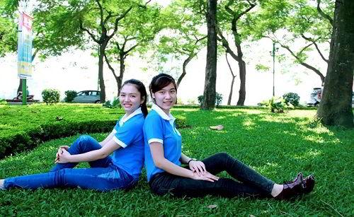 Ngồi bên nhau ở Cv Bách Thảo