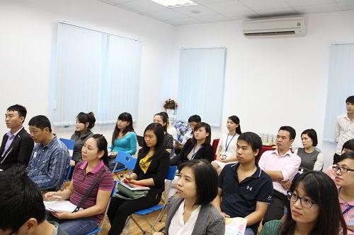 Rất nhiều bậc phụ huynh chia sẻ, buổi hội thảo quả thật rất bổ ích và thú vị.