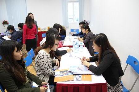 Các đại diện trường tư vấn du học trực tiếp