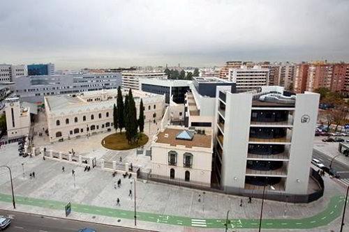 Ảnh: Trường đại học Sivilla với vị thế địa lý thuận lợi