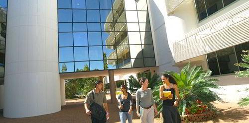 Học bổng Đại học Charles Darwin cho sinh viên quốc tế