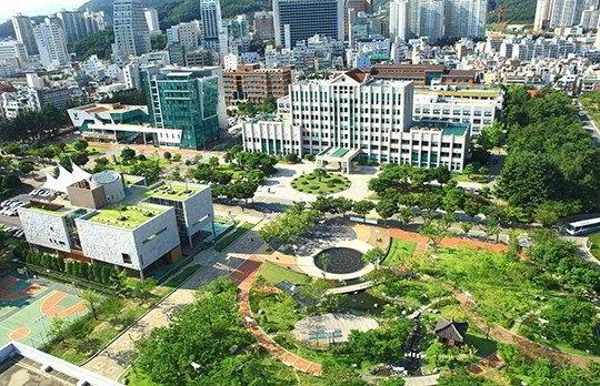 Khuôn viên trường Đại học Quốc gia Pukyong
