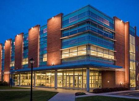 Trung tâm Khoa học Roland Holroyd Science Center của trường La Salle