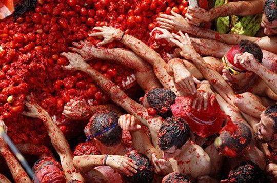 Lễ hội ném cà chua tại Tây Ban Nha
