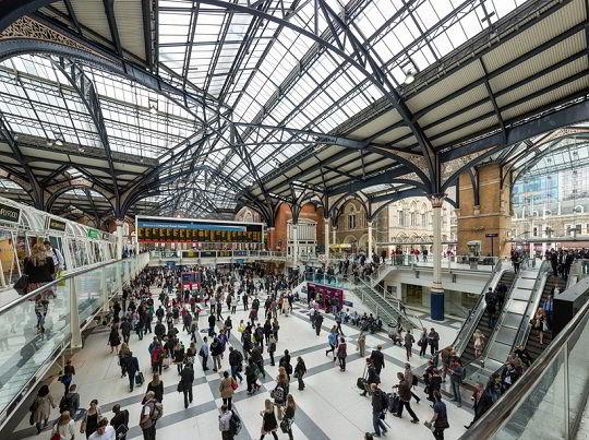 Một trong những nhà ga tàu điện ngầm tại Anh Quốc