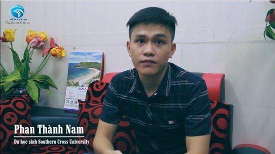 Phan Thành Nam trong ngày nhận visa du học Úc