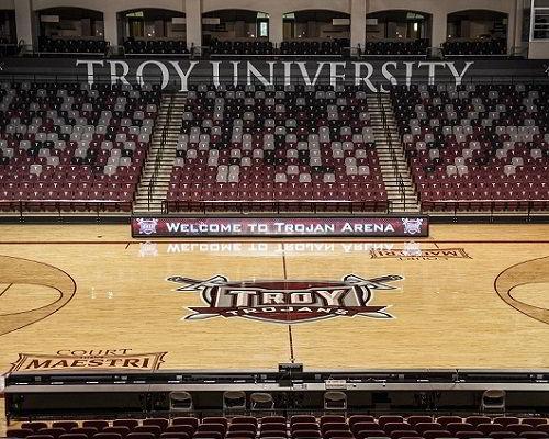 Sân bóng rổ của trường Đại học Troy
