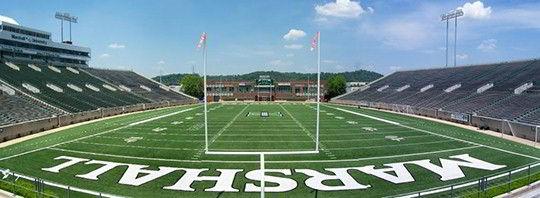 Sân bóng trường Đại học Marshall