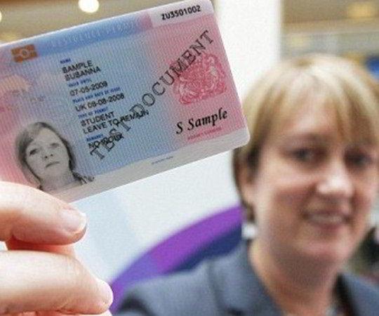Thẻ sinh trắc học dành cho sinh viên quốc tế du học Anh