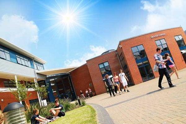 Khuôn viên trường Cao đẳng Bexhill
