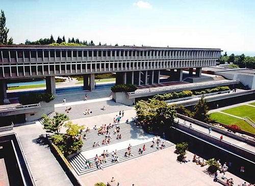 Hình ảnh khuôn viên trường Cao đẳng Quốc tế Fraser.