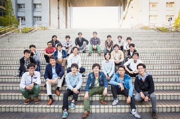 Yêu cầu để sinh viên có thể học Thạc sĩ tại Nhật là tốt nghiệp Đại học với học lực tốt, trình độ tiếng Nhật tương đương N3 (với khối ngành Kỹ thuật) và N2 (với khối ngành Văn học, Xã hội), vượt qua kì thi Thạc sĩ của trường.