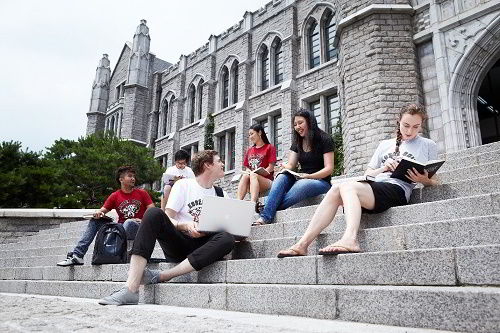 Học Thạc sĩ tại Hàn Quốc thường kéo dài trong 2 năm (3 năm với một số ngành đặc biệt).