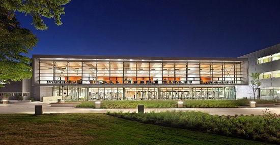 Trường đại học Fraser Valley (gọi tắt là UFV) nằm ở thung lũng Fraser