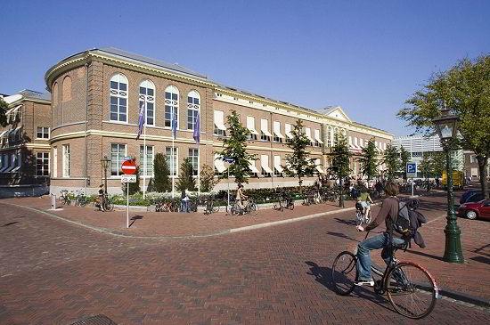 Đại học Leiden Hà Lan