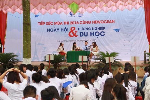 Ngày hội Hướng nghiệp và Du học nằm trong chuỗi sự kiện Tiếp sức mùa thi 2016 cùng New Ocean tại trường THPT Thanh Bình, Hải Dương.
