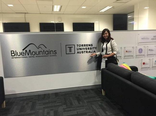 Đại diện New Ocean thăm Blue Mountains Campus tại Sydney
