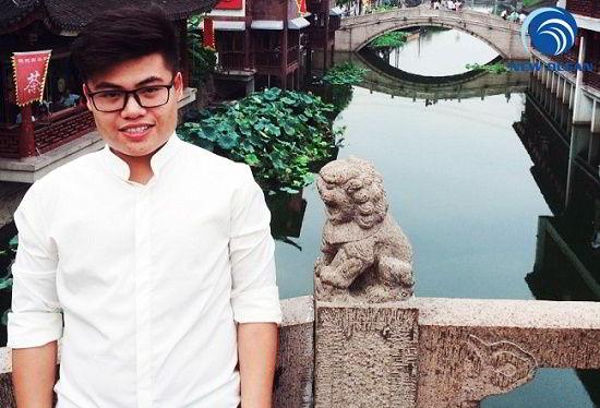 Nguyễn Hữu Tuấn chụp ảnh tại Trung Quốc