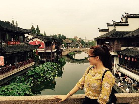 Nguyễn Thị Huyền lưu lại những bức ảnh đẹp tại Trung Quốc
