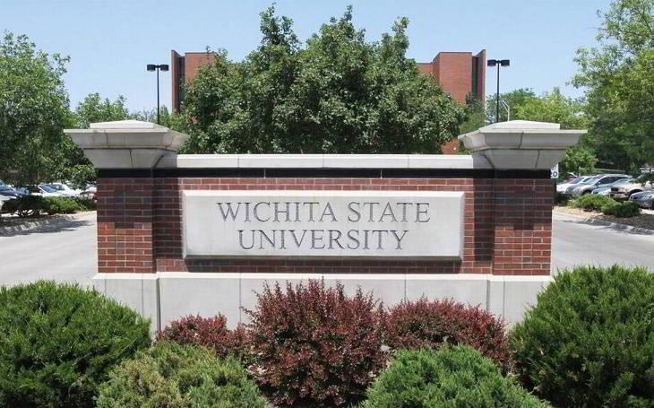 cong truong Wichita University