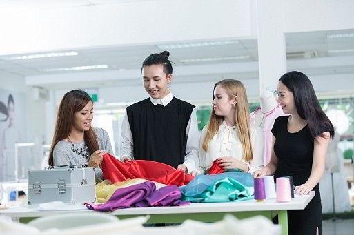 Vì sao nên du học Singapore ngành kinh doanh thời trang?