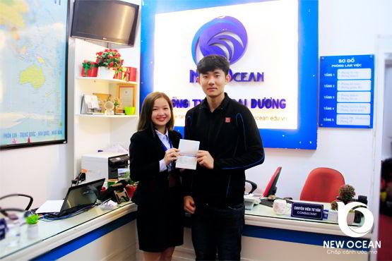 Nguyễn Hải Linh đẹp như trai Hàn, hạnh phúc nhận visa du học Hàn Quốc