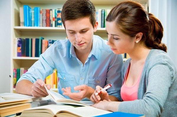 Đối với các bạn là sinh viên, nếu đang nuôi ước mơ nhận được học bổng chính phủ, thì hãy phấn đấu học tập thật tốt để đạt tối thiểu GPA 7,0 trở lên mới đủ điều kiện apply.