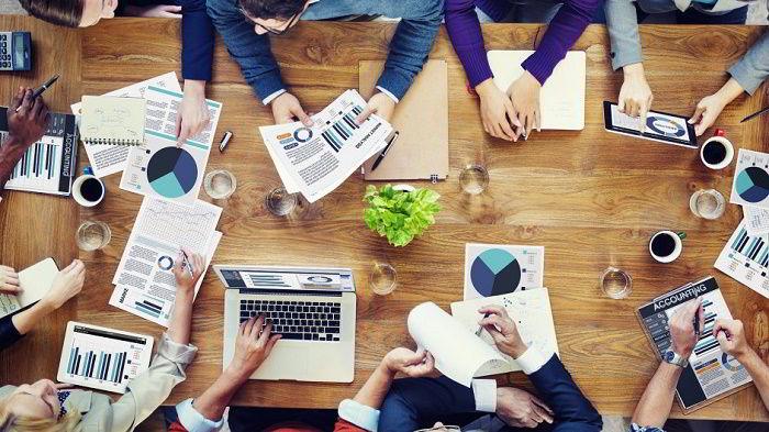 Ngành Marketing là cầu nối giữa các công ty với khách hàng.