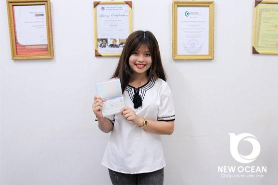 Phạm Thị Bông nhận visa du học Hàn Quốc - Rạng ngời nụ cười chiến thắng