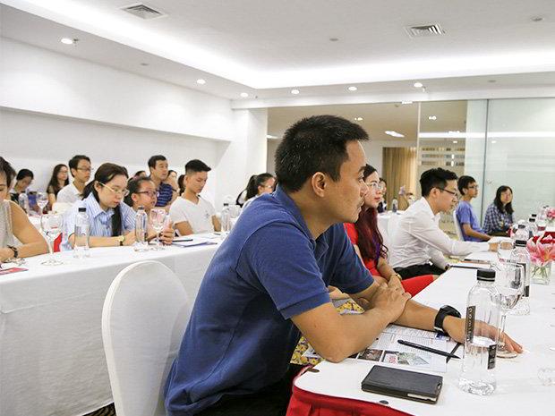 Phụ huynh học sinh tham dự hội thảo cùng trường MDIS Singapore.