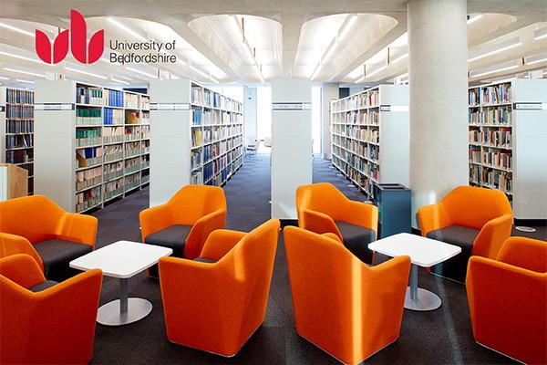 Thư viện trường đại học Bedfordshire