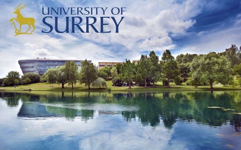 Đại học Surrey được thành lập từ năm 1966 trên đồi Stag, thành phố Guildford, Anh Quốc