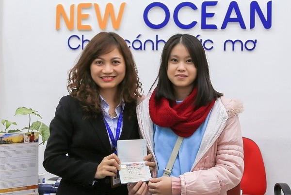 """Ngô Thùy Linh nhận visa du học Canada CES: """"Centennial College, nơi tình yêu bắt đầu"""""""