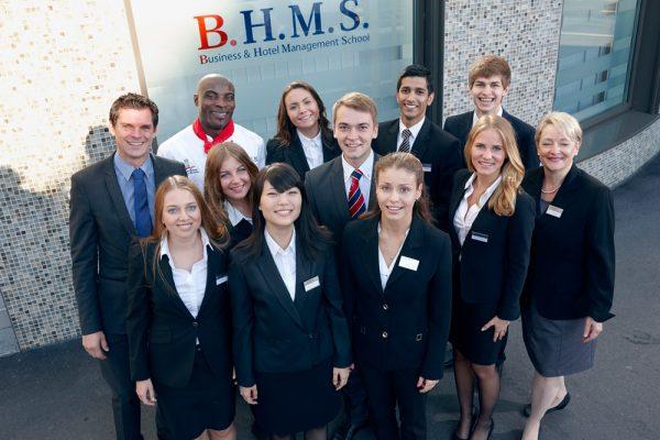 Sinh viên BHMS có cơ hội thực tập hưởng lương nâng cao kinh nghiệm thực tế