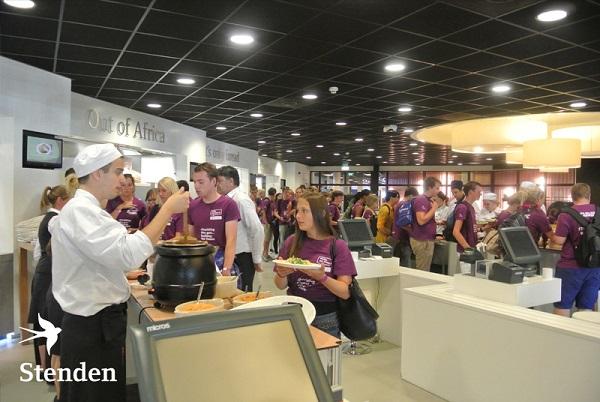 Hợp tác với hàng trăm nhà hàng, khách sạn trên toàn thế giới