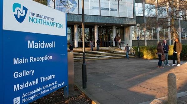 Trường đứng thứ 2 về khu Campus so với các trường Đại học ở Anh
