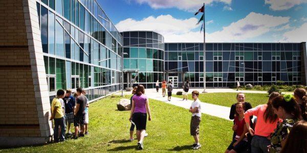 Campus trường trung học phổ thông Pattison